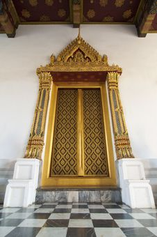 Free Golden Door At At Wat Phra Kaew Royalty Free Stock Image - 18022936