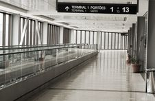 Free Empty Airport Royalty Free Stock Photography - 18030067