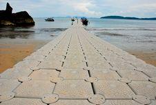 Free Sea Walk Way Royalty Free Stock Images - 18031109