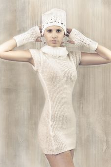 Free Attractive Winter Woolly Girl Royalty Free Stock Photography - 18033587