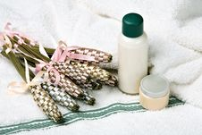 Free Cosmetics Royalty Free Stock Photos - 18041208