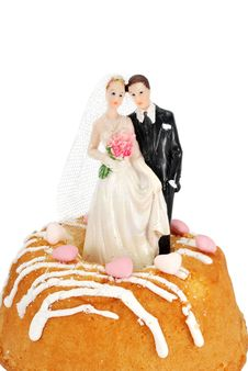 Free Bride Groom Figurines On A Cake Royalty Free Stock Photo - 18042075