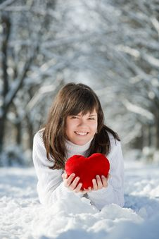 Free Teen Girl Heart In His Hands Royalty Free Stock Images - 18042459