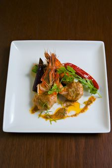 Free Grilled Shrimp Red Curry Sauce Royalty Free Stock Photos - 18045668
