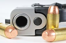 Free Handgun And Ammunition Royalty Free Stock Photo - 18046775