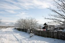 Free Snowy Trace Near Household Royalty Free Stock Images - 18046989