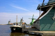 Free Windmill Holland Royalty Free Stock Image - 18055326