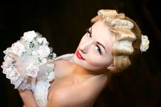 Free The Bride With A Wedding Bouquet Royalty Free Stock Images - 18058719