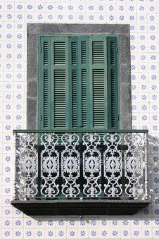 Free Curious Door Stock Photography - 18059202
