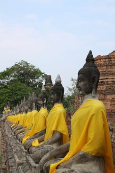 Free Buddha Statue In A Row With Sky Stock Photo - 18061770
