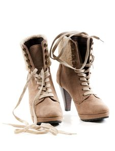 Free Pair Of Women S Shoes Royalty Free Stock Photography - 18061907