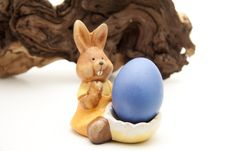 Free Easter Bunny With Egg Royalty Free Stock Images - 18062179