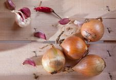 Free Onion, Garlic And Pepper Royalty Free Stock Photo - 18069845