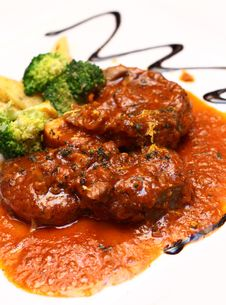Free Veal Shank Served With Special Gravy Royalty Free Stock Photos - 18069848