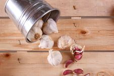 Free Garlics On Wood Stock Image - 18069851