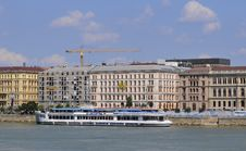Free Danube Cruise In Budapest Stock Photo - 18070280