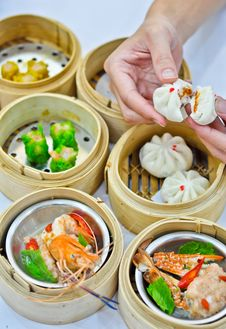 Free Steamed Dumpling And Dimsum With Hand Stock Photo - 18074410
