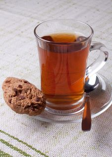 Free Cup Of Tea And Chip Cookies Royalty Free Stock Photo - 18076295