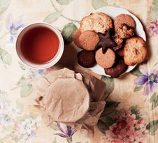 Free Tea With Honey And Cookies Royalty Free Stock Photos - 18076788