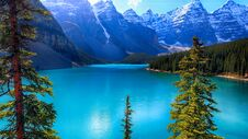 Moraine Lake, Valley Of The Ten Peaks, Banff National Park, Alberta, Canada, Beautiful Landscape Stock Photo