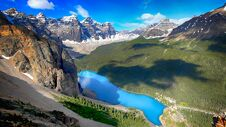 Free Moraine Lake, Banff National Park, Valley Of The Ten Peaks, Alberta, Canada, Beautiful Landscape Royalty Free Stock Photo - 180790345