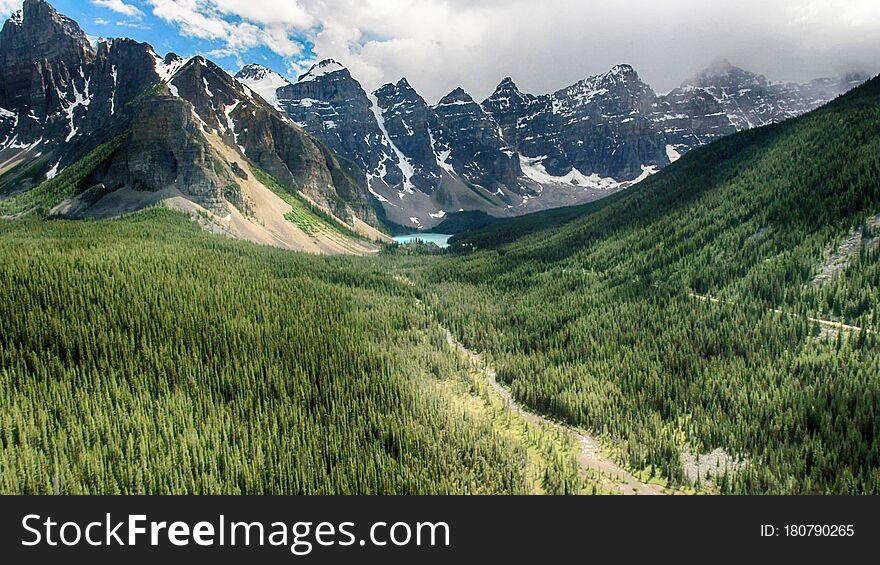 Moraine Lake, Banff National Park, Alberta, Canada, Beautiful Landscape, Valley of the Ten Peaks