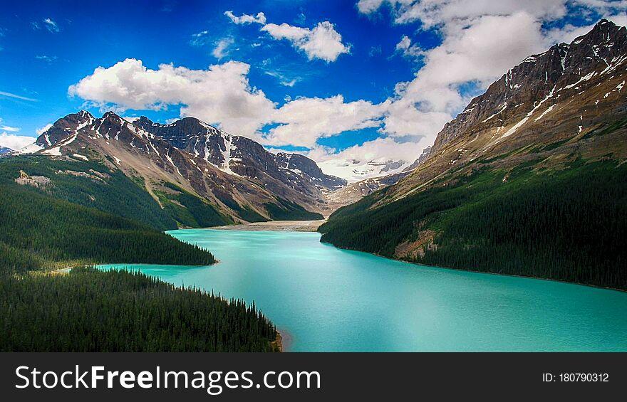 Moraine Lake, Banff National Park, Beautiful Landscape, Valley of the Ten Peaks, Alberta, Canada