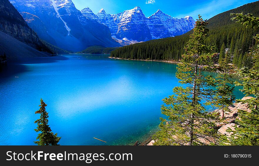 Moraine Lake, Banff National Park, Beautiful Landscape, Alberta, Canada, Valley of the Ten Peaks
