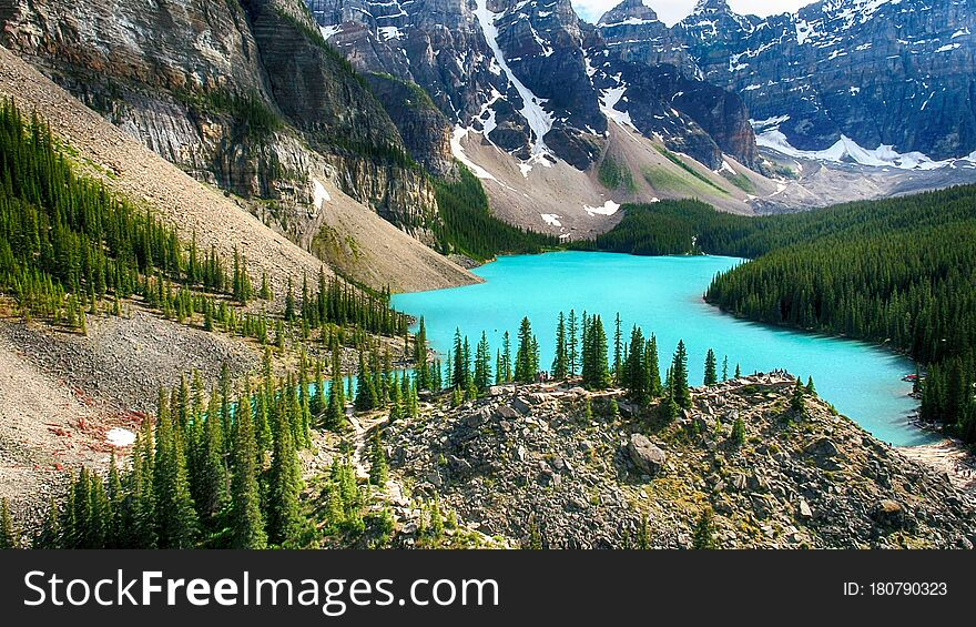 Moraine Lake, Valley of the Ten Peaks, Banff National Park, Alberta, Canada, Beautiful Landscape