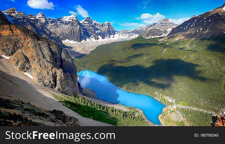 Moraine Lake, Banff National Park, Valley of the Ten Peaks, Alberta, Canada, Beautiful Landscape