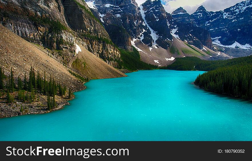 Moraine Lake, Banff National Park, Alberta, Canada, Valley of the Ten Peaks, Beautiful Landscape