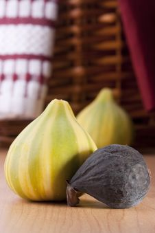 Free Ripe Fruits Of A Fig Royalty Free Stock Image - 18080546