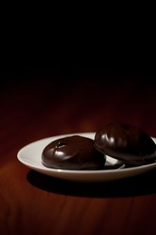 Free Chocolate Zephyr Sweets Royalty Free Stock Photo - 18083805