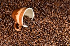 Free Coffe Beans And Cup Stock Photos - 18085653