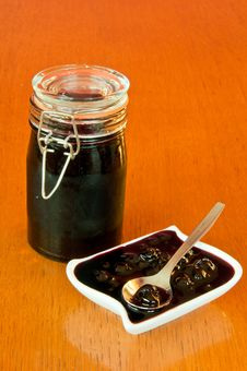 Free Jar And Bowl Of Blackberry Jelly With Spoon Royalty Free Stock Photography - 18085957