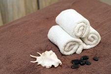 Free Towel Cosmetic Stock Image - 18087081