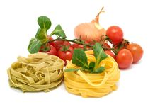 Free Italian Pasta Tagliatelle With Vegetables Royalty Free Stock Images - 18090549