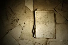 Free Old Papers Stock Photos - 18091723