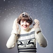 Free Young Beautiful Girl Rejoices To Snow Royalty Free Stock Image - 18092236
