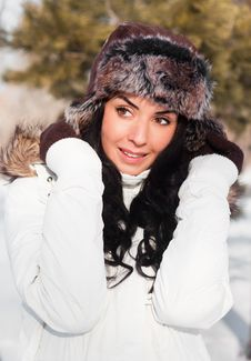 Beautiful Girl On A Walk In A Winter Park, Royalty Free Stock Photos