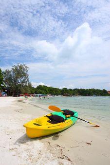 Free Kayak At Wong Duen Beach, Samed Island, Thailand Stock Images - 18096594