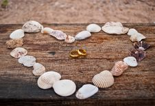 Free Gold Ring In The Heart. Royalty Free Stock Photography - 18097407
