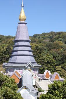 Free Great Stupa Royalty Free Stock Photography - 18097547