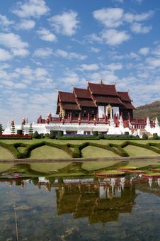Free Temple On Blue Sky Background In Thailand Royalty Free Stock Images - 18099889
