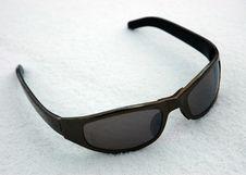 Free Sunglasses On To Snow Stock Photos - 1811073