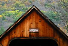 Free Covered Bridge And Fall Foliage Stock Photography - 1816012