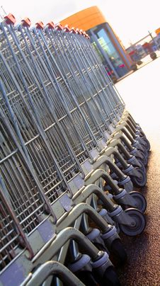 Free Shopping Carts In A Row Royalty Free Stock Photos - 1818858