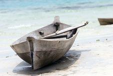 Free Canoe On Tropical Beach Royalty Free Stock Photography - 1819807