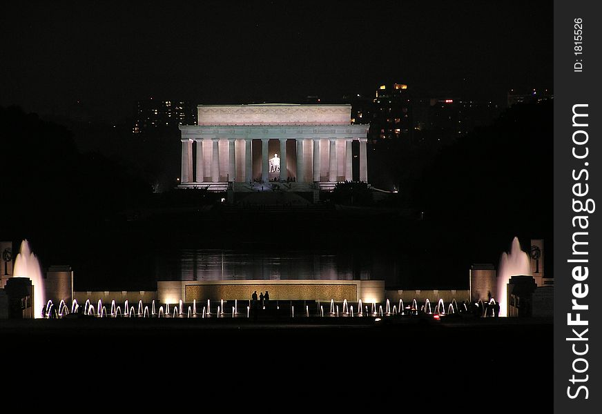 Lincoln Memorial, the Reflecting Pool and the World War II Memorial