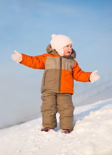 Free Adorable Baby Stay On Mountain And Gesticulate Stock Image - 18100381
